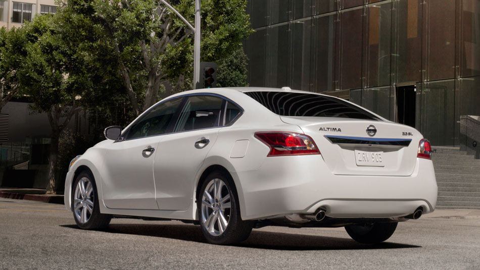 new rochelle 2014 altima | bronx preowned car dealer | white plains